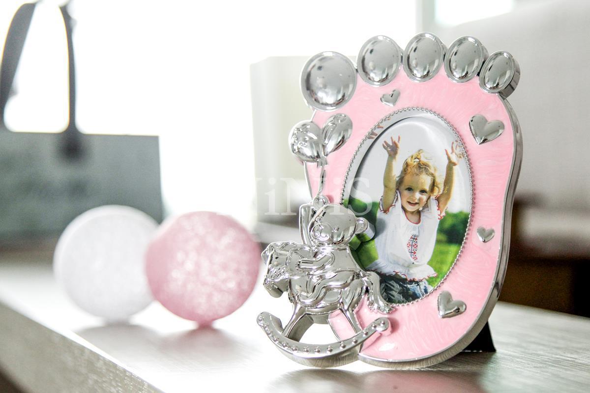 Porta Retrato infantil Pezinho Rosa  8x6 cm