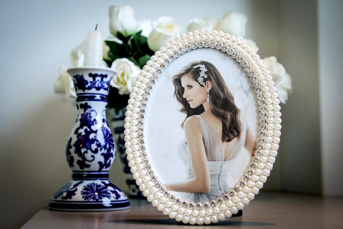 Porta retrato oval pérola strass luxo 10x15cm