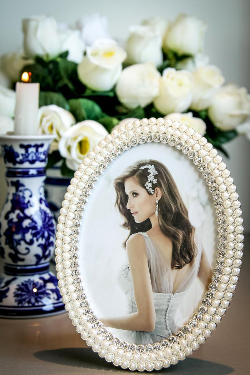 Porta retrato oval pérola strass luxo 13x18cm
