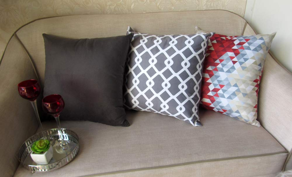 Conjunto 3 Capas almofadas Lyon Veludo quadradas Marsala  com chumbo 43 x 43 cm