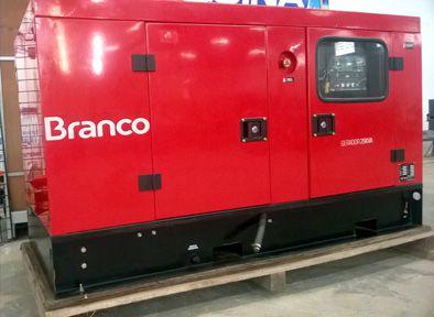 Gerador Trifásico Cabinado a diesel de 26Kva Usado/Peça Mostruário/Demonstração - BD26000 E3 - Branco