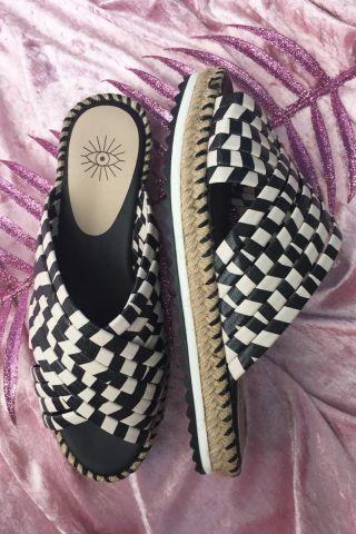 Flatform Stripes P&B