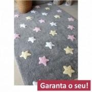 Tapete Lorena Canals Cinza com Estrelas Rosas, Brancas e Manteiga