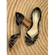 Sapato Aberto com salto fachete natural em madeira - Preto com viés em Off-white