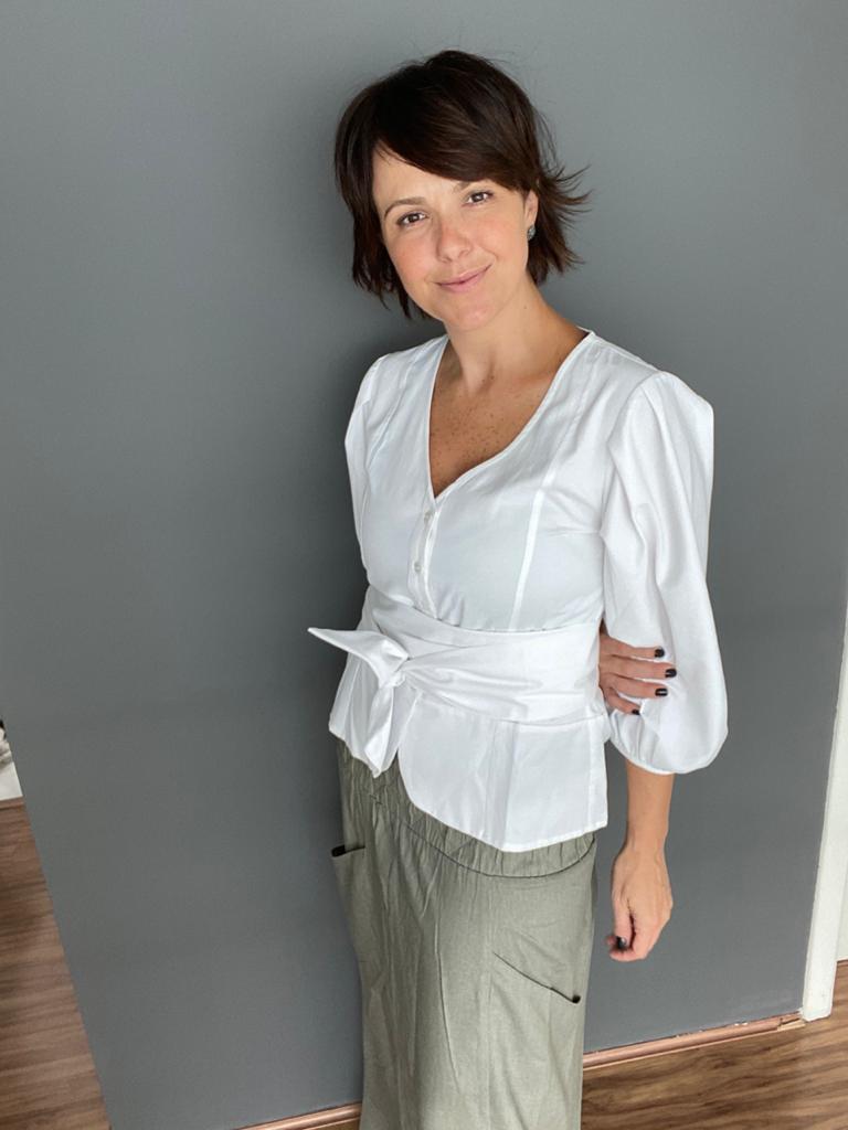 camisa faixa angelina  - Angelina Vai às Compras