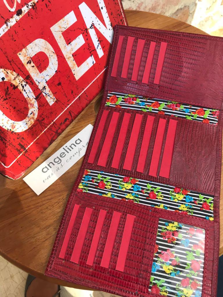 Carteira Feminina em Couro Texturizado - Vermelha  - Angelina Vai às Compras