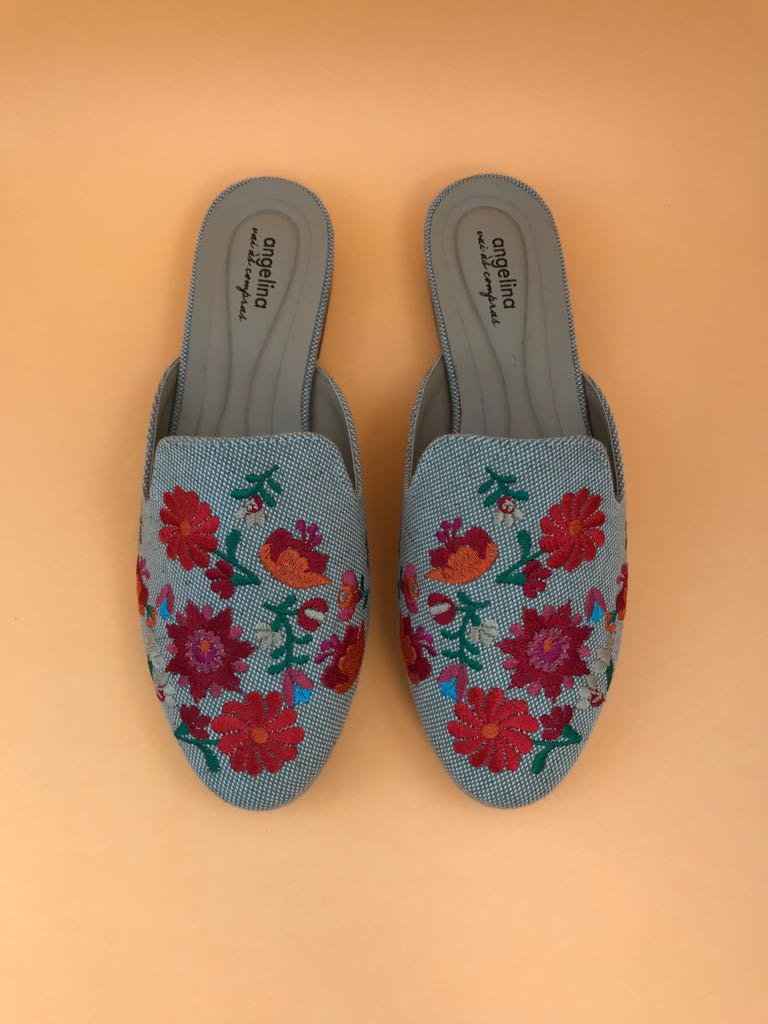 Mule Linho Bege Bordado Floral  - Angelina Vai às Compras
