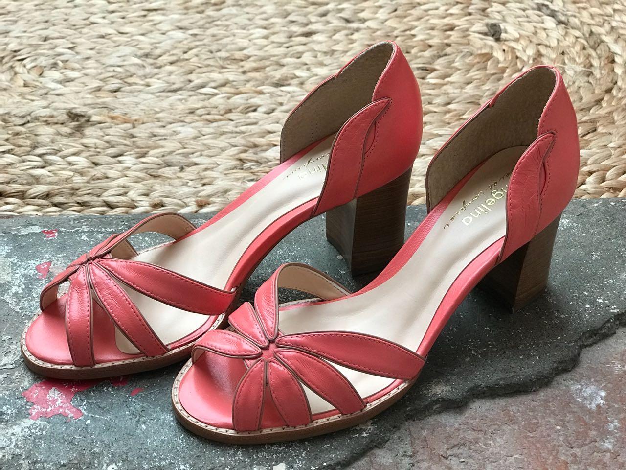 Sapato Aberto com salto fachete natural em madeira - Goiaba com viés em nude  - Angelina Vai às Compras