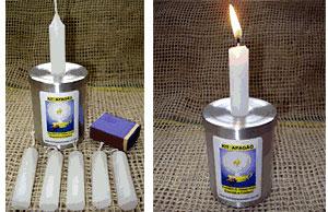 Kit Apagão - Enfeita e Ajuda (com 6 velas, suporte, tampa-castiçal e fósforos)  - Momento da Arte