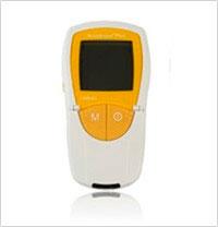 Analisador bioquímico portátil para testes remotos ACCUTREND PLUS. Parâmetros Medidos: Glicose, Colesterol, Triglicérides e Lactato