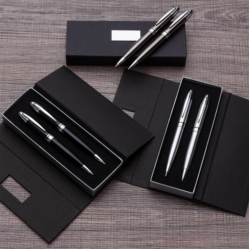Kit caneta e lapiseira em estojo de cartonagem com placa central - Ref.0029150