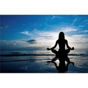 Poster - mulher praticando yoga na praia