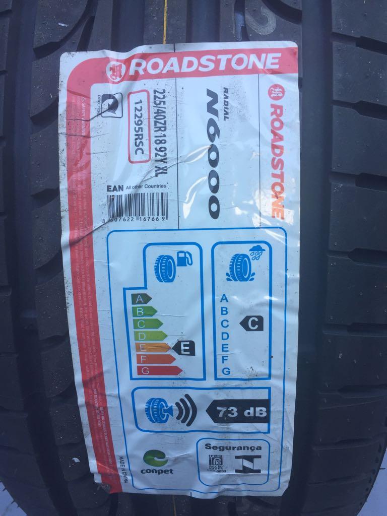 Pneu 225/40R18 Roadstone N6000 92Y (Mercedes Classe B, CLA 200, Volvo V40, BMW Série 3, Audi A3)
