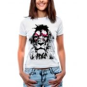 Blusa Feminina T-Shirt Manga Curta Estampa de Leão.