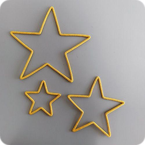 Enfeite de Trio de Estrela em Tricotin