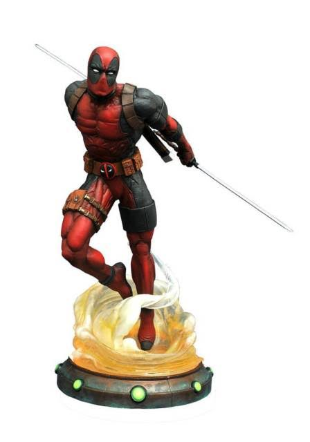 Deadpool Gallery Statue - Marvel - Diamond