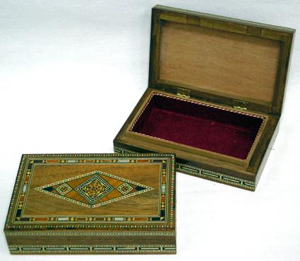 Caixa de mosaico marchetado com madre-pérola (Média) -cod.557