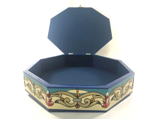 Caixa baú octavada arabesco. tamanho grande Ref.559
