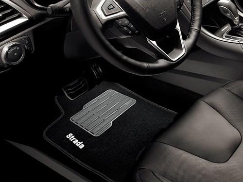 Tapete Fiat Strada 2021 - Carpete Preto Bordado Logo