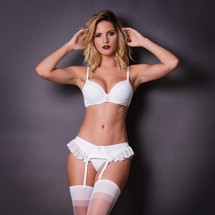Conjunto lingerie liga com meia em renda