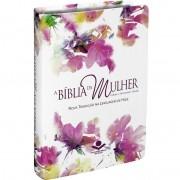 A BIBLIA DA MULHER CAPA BRANCA FLORES REVISTA E ATUALIZADA