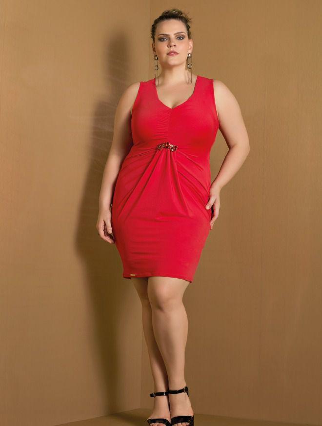 Vestido plus size com franzido