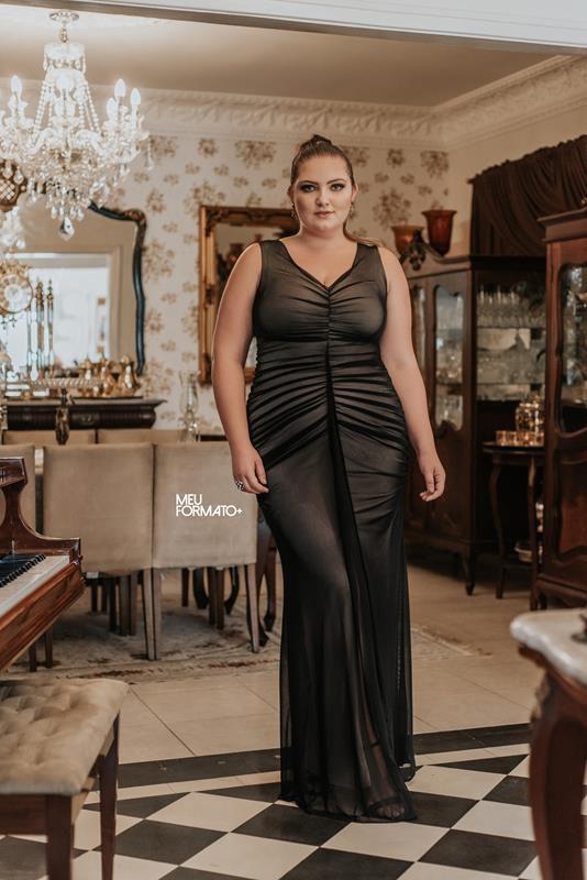 Vestido Plus Size Longo Franzido