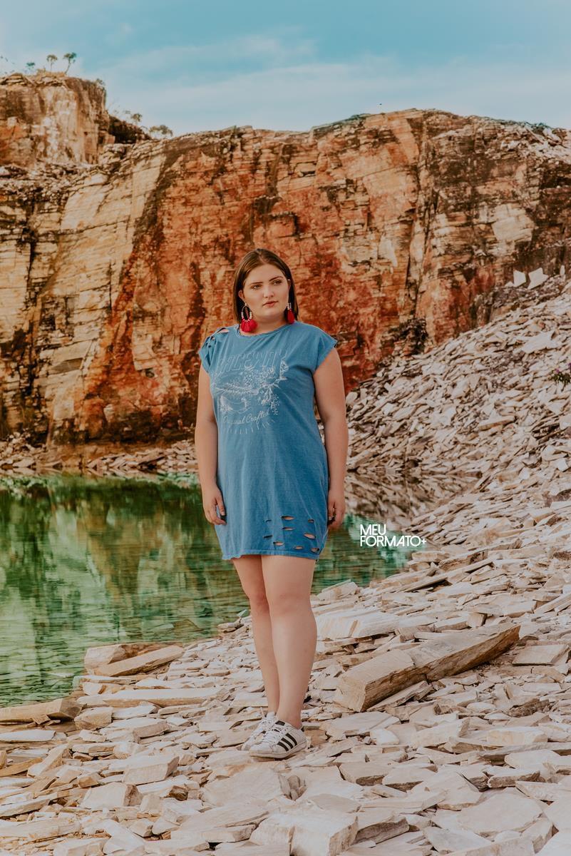 Vestido plus size ombro destroyd azul