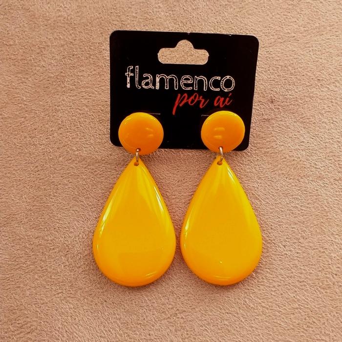 BRINCO flamenco meia gota resina 4 x2,5cm tons amarelo