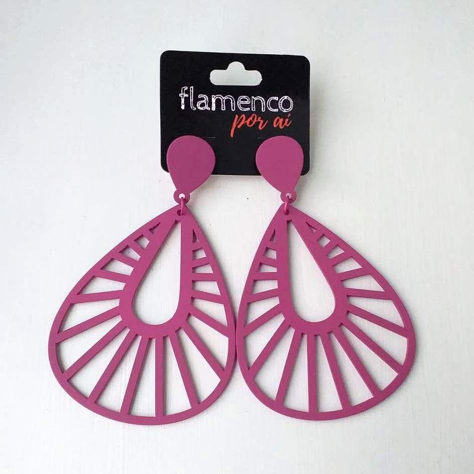 BRINCO flamenco fosco leve gota vazada 5,5x9cm
