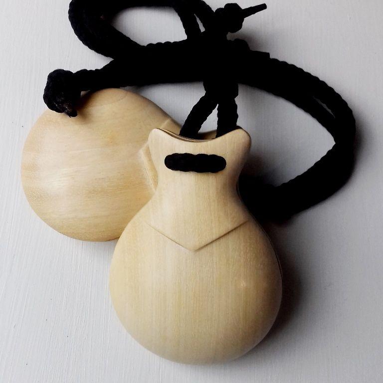 CASTANHOLA INICIANTE infantil madeira clara flamenco