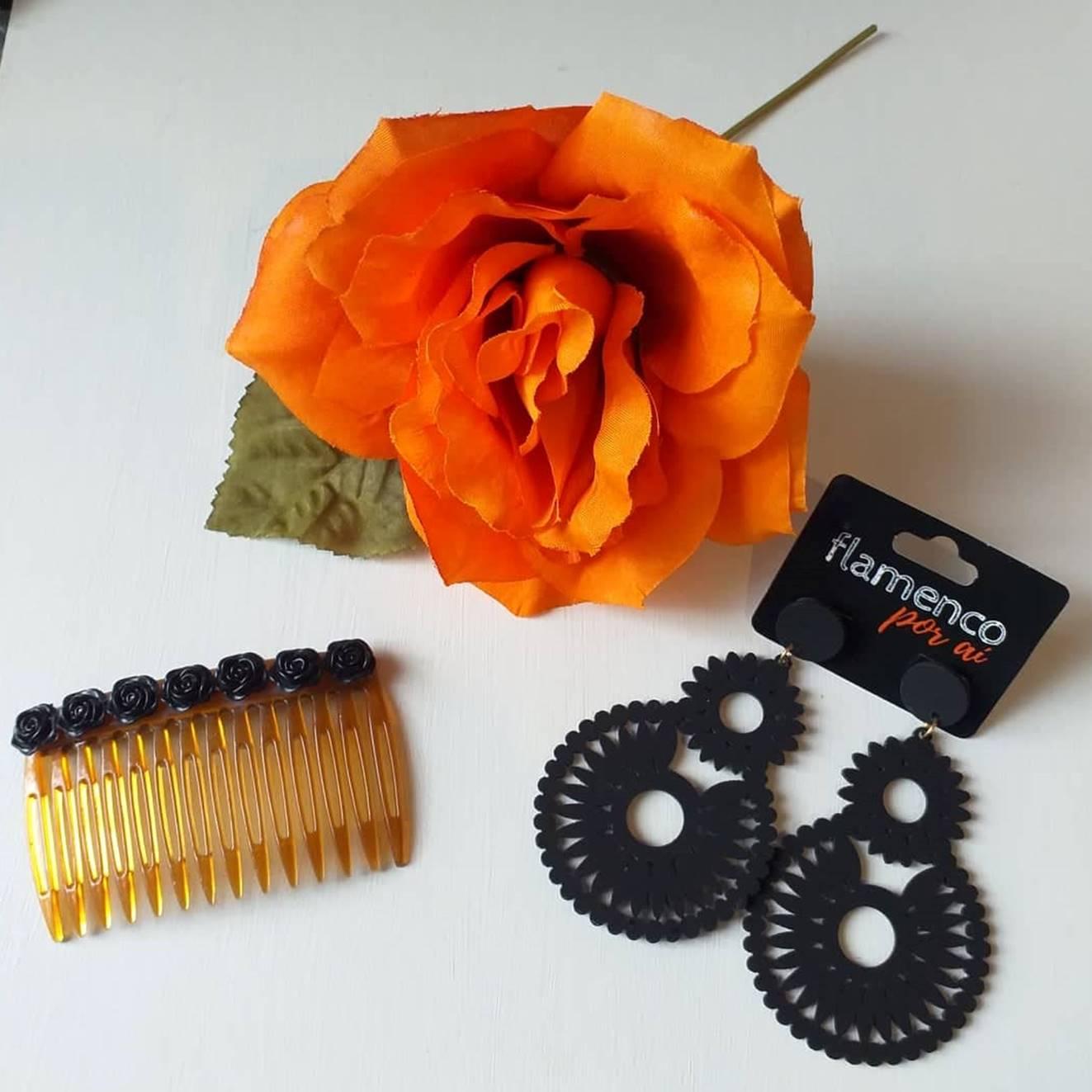 KIT 19 flamenco flor laranja brinco preto peinecillo flores pretas