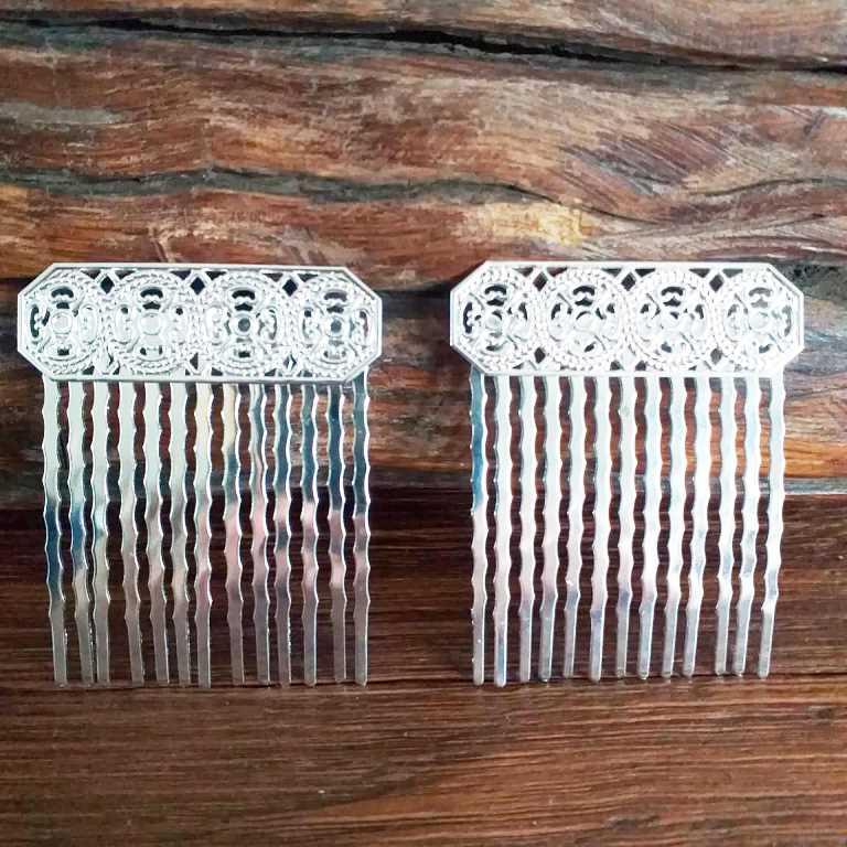 Peinecillo (par) metal flamenco vintage pequeno 4cm