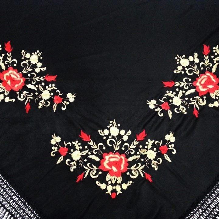 XALE ESPANHOL bordado 160x75 preto vermelho dourado flamenco cigano