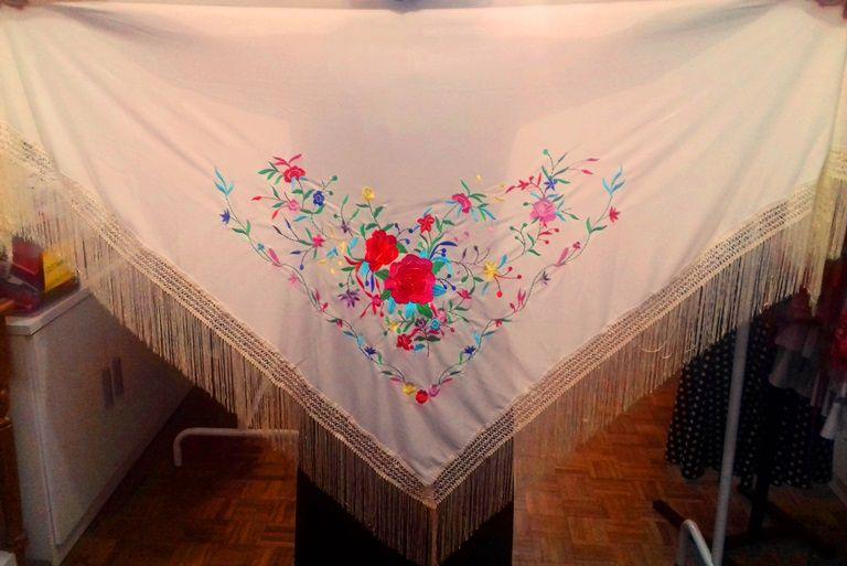 XALE ESPANHOL grande bordado 190x90cm flamenco marfim colorido