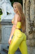LEGGING AMARELA BOLSO REDONDO