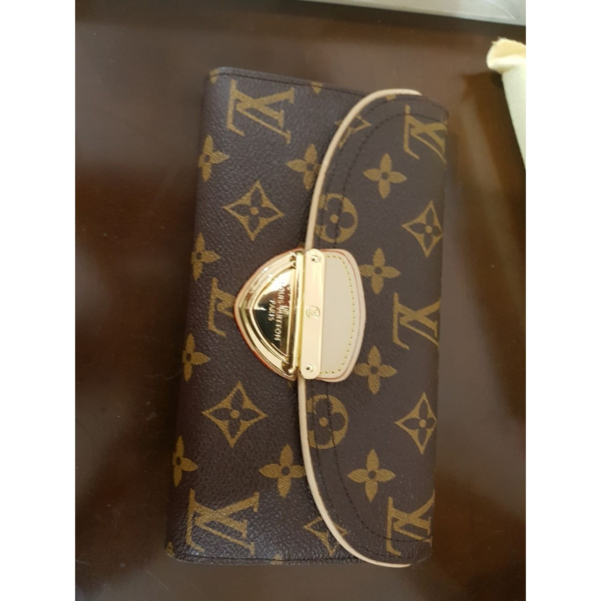 Carteira Louis Vuitton Eugenie