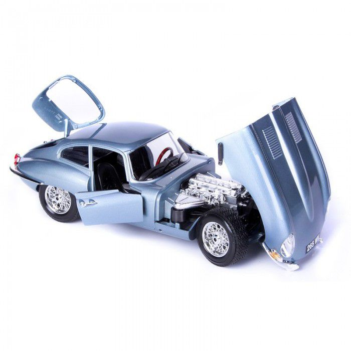 Bur12044 - Jaguar E Coupe 1961 1/18 Azul Bburago