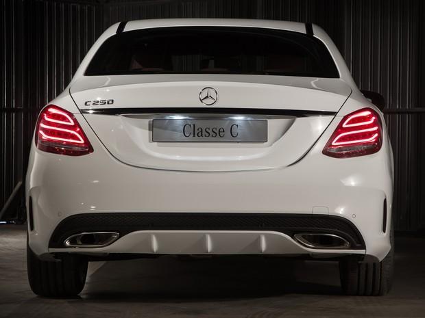 Vidro Vigia (traseiro) Mercedes C180 2015