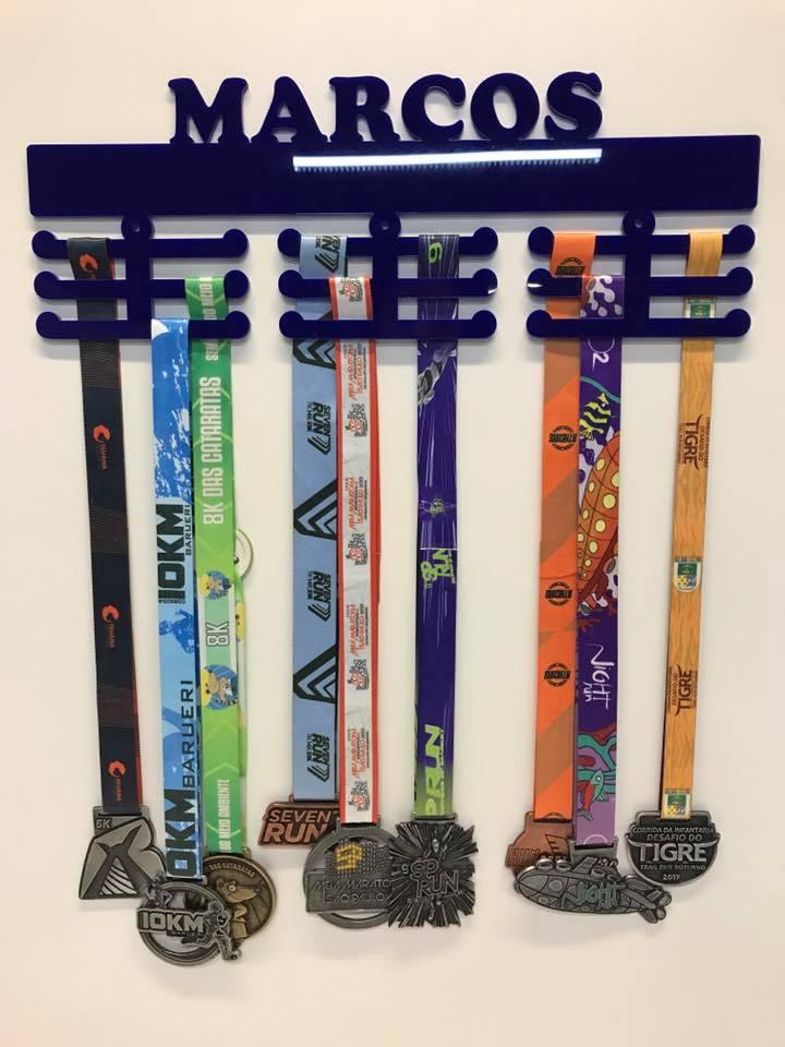 Porta Medalhas Personalizado Acrílico Básico 1