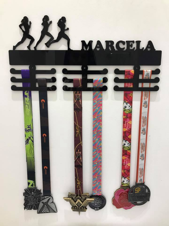 Porta Medalhas Personalizado Acrílico Corrida Feminino 3