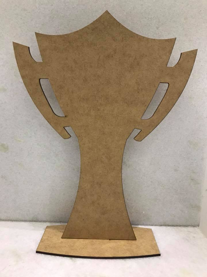 Troféu MDF CRU Liso 28cm de Altura - Modelo 1