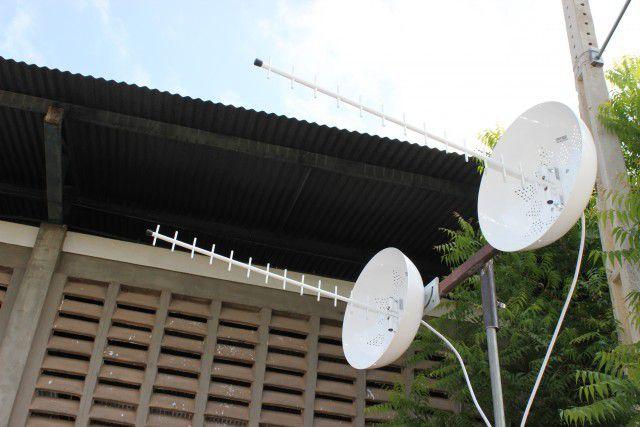 Kit Biantena cúbica 27DBi P/ Telefone E Internet Rural 1800 a 2100MHz