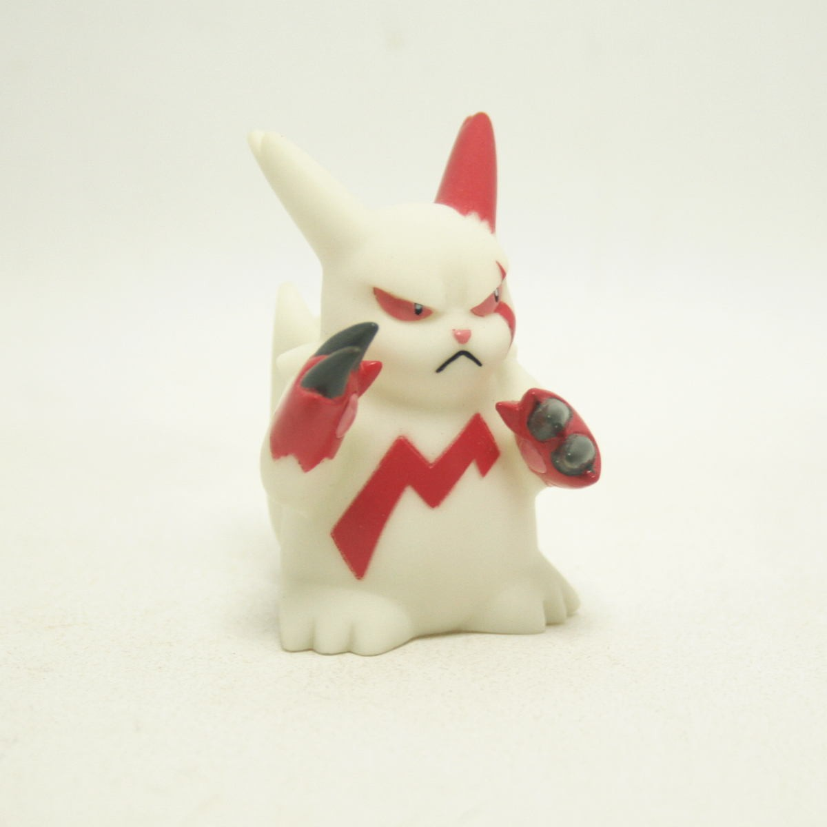 Pokemon Mini Figure Zangoose Importado do japão
