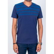 CAMISETA MANGA CURTA - ESTAMPA LISTRA - DECOTE V - SLIM FIT