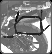 Suporte Baú Lateral EXPLORER 1200 XC XR XCX XRX XCA 2012 até 2015