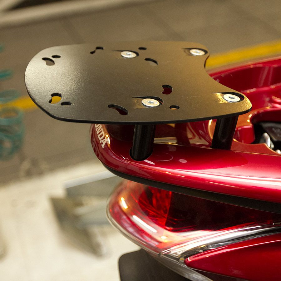 Suporte Do Baú Superior Scam Honda Pcx 150  Modelos 2015 Em Diante.