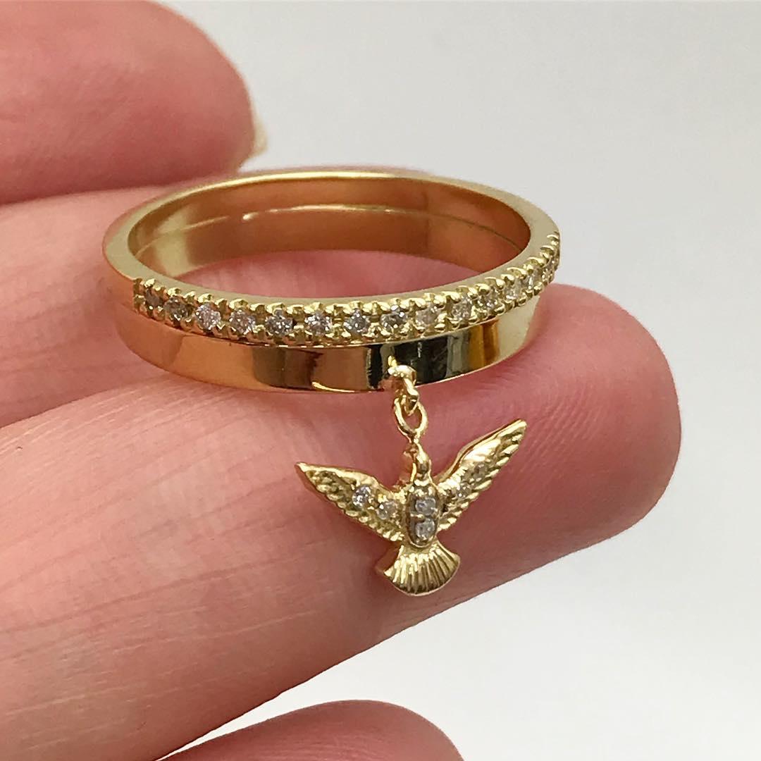 Anel Espirito Santo em Ouro 18k com Diamante Natural Feito a Mao