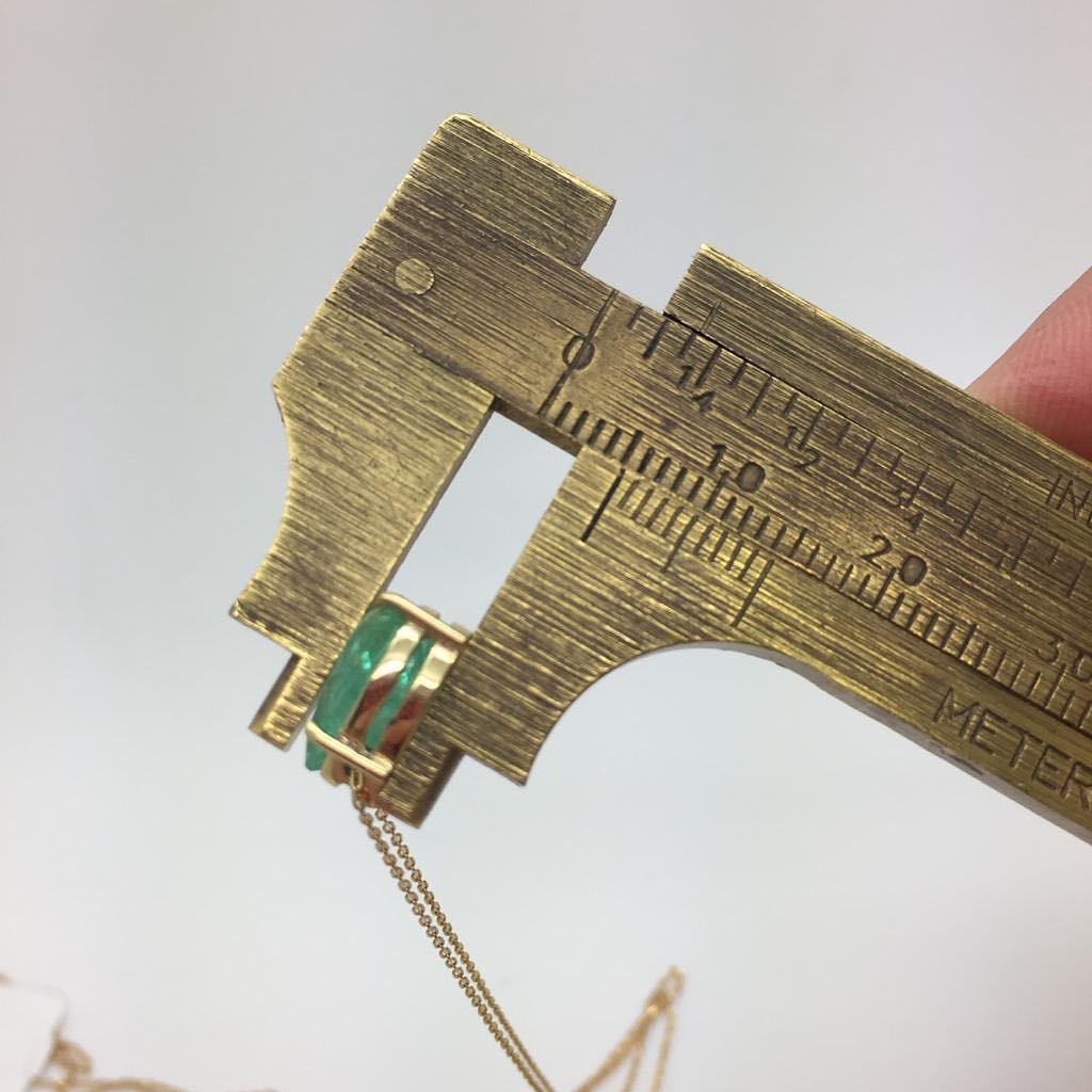 Pingente Ouro 18k Esmeralda Colombiana Gota 1cm x .0.75cm  Corrente
