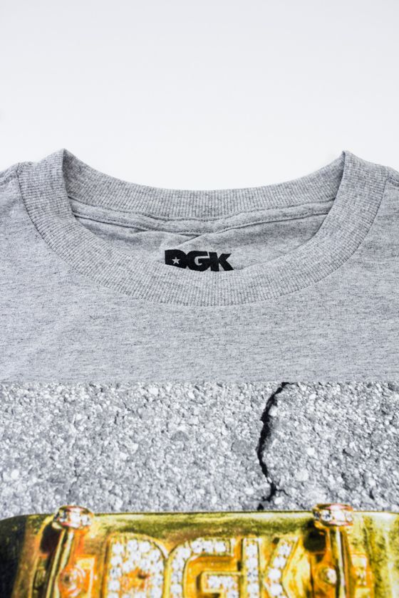 "CAMISETA DGK ""RAGS TO RICHIES"" CINZA"